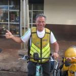 IMG_3866..dopo 26 ore di autobus raggiungo il Paraguay altre 6 per Assuncion..sono un poco stanchino..avrei preferito pedalarli ma il tempo mi è nemico