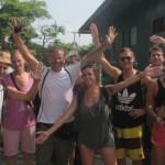 357.Puerto Obaldia beati Turisti a s-passo d'uomo mentre noi affrontiamo le grandi onde a velocità massima per 8 ore al giorno IMG_8905